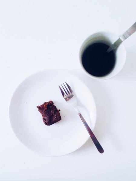 vegan brownie and tea